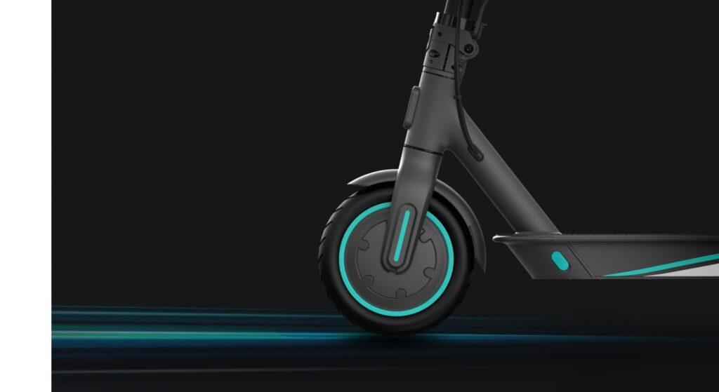 Električni trotinet Pro 2 Mercedes AMG PETRONAS F1 TEAM EDITION